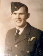 Photo de Ezra Mulloy Hansen – Ezra Mulloy Hansen (1923-1944), Fils de James Alvin et Margaret Hansen.