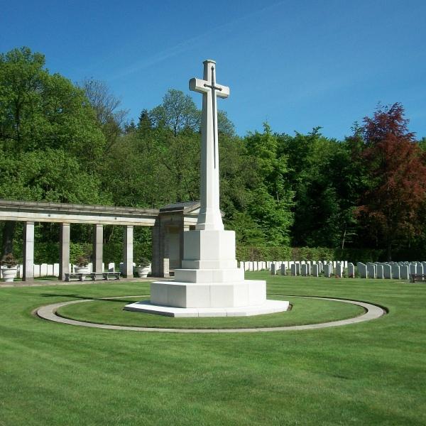 Cemetery – Cross of Sacrifice - Rheinberg War Cemetery - May 2015 Photo courtesy of Marg Liessens