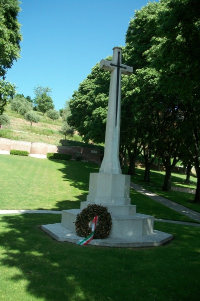 Cemetery – Cross of Sacrifice - Gradara War Cemetery - May 2013 ... Photo courtesy of Marg Liessens