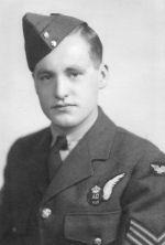 Photo of Dennis Everest – Dennis Everest - Died over Hanover Germany 1943