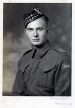 Photo of John Ferguson – Pte John Ferguson Seaforths of Canada age 22 years taken in Nov,1941