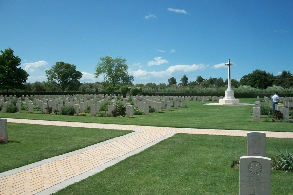 Moro River Canadian War Cemetery – May 2013 … Photo courtesy of Marg Liessens