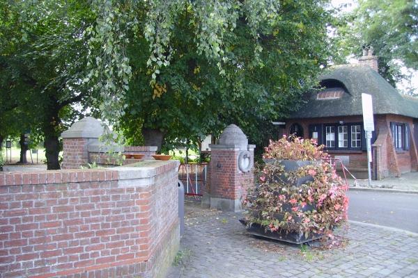 Cemetery – Entrance … Schoonselhof Cemetery … photo courtesy of Marg Liessens
