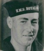 Photo de Joseph Lewis  – Joseph vêtu de son uniforme.
