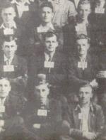 Photo collective – Joseph se situe à l'extrême droite du second rang à partir du bas.