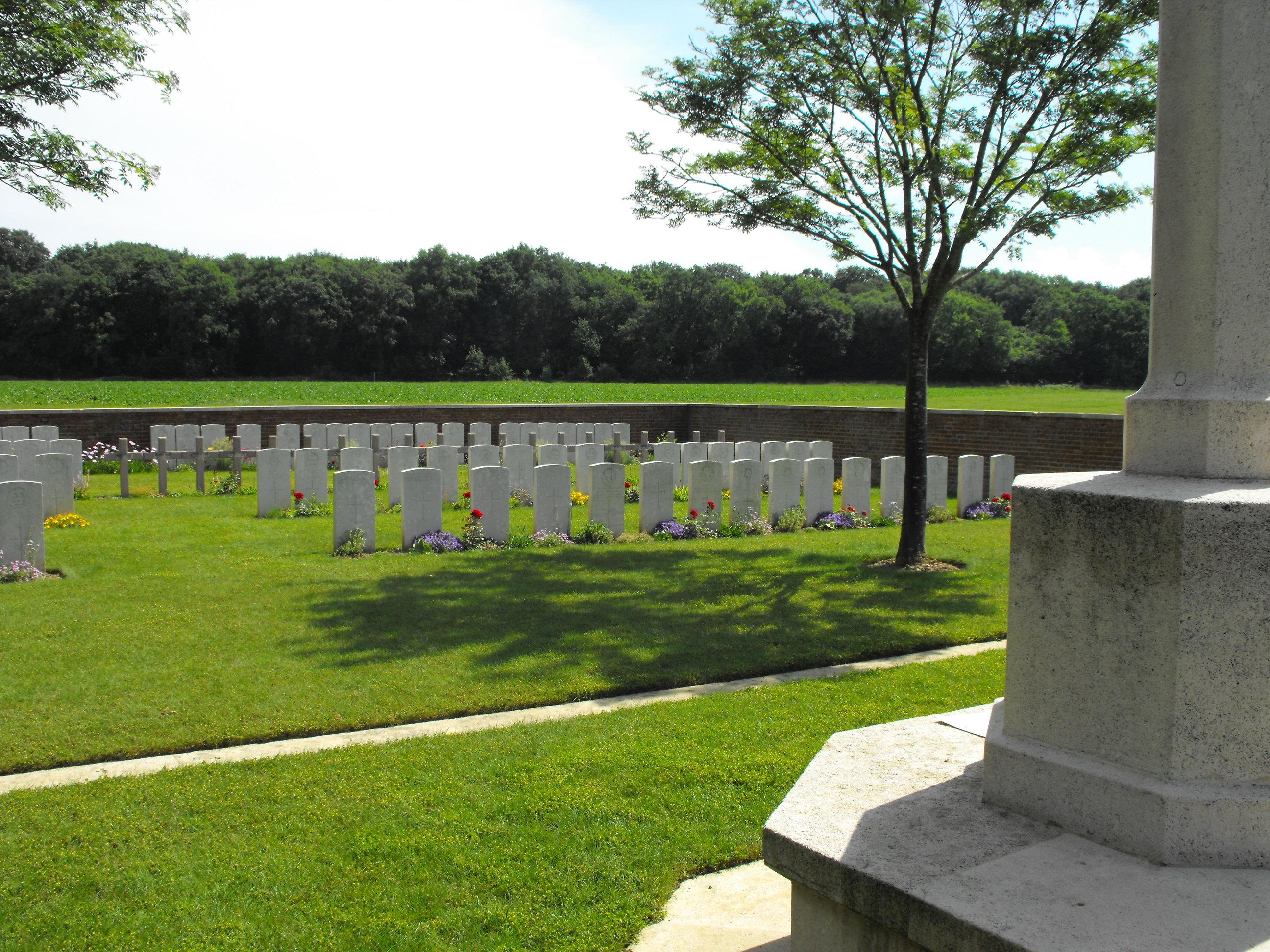 Hangard Wood Cemetery
