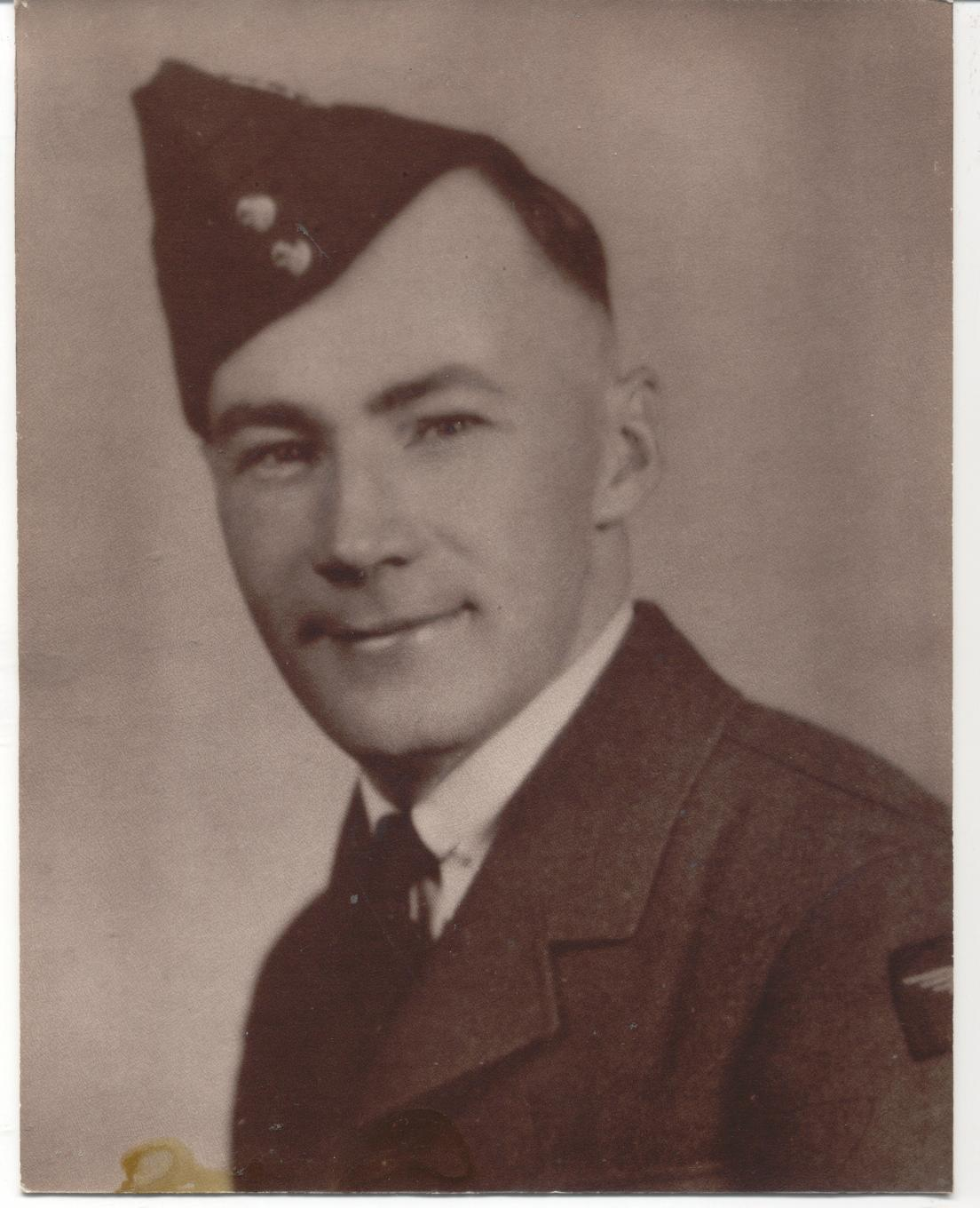 Photo of ROSS CORRIE THOMSON – Ross in uniform from Cathie (his sister) after her passing.