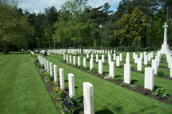 Cemetery – Bergen-op-Zoom Canadian War Cemetery - May 2015 … Photo courtesy of Marg Liessens