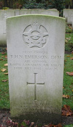 Grave Marker – Photo courtesy of Frans van Cappellen, Putten, The Netherlands