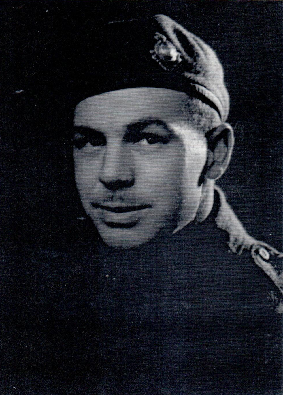Photo of Alfred Sefton – Pte Alfred Sefton of Essex, Ontario died on December 11, 1944 in battle and buried in Jonkerbos War Cemetery, Netherlands leaving behind a wife and two children.
