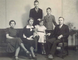 Photo of JOHN EDWIN GARDINER – Edwin and Wilfrid (back row), Florence, Violet, Beth and Rt Hon. James Gardiner. Submitted for the project, Operation Picture Me
