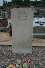 Grave Marker – Photo provided by The Commonwealth Roll Of Honour Project. Volunteer Duncan Andrews