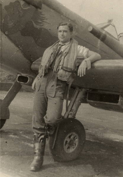 Photo – Flying Officer Harold Andrew Westhaver RCAF.
