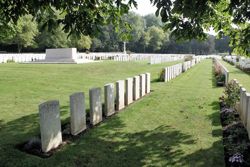 Cemetery – Canadian Cemetery No. 2 - The Canadian Cemetery No. 2 is located on Vimy Ridge and is attached to the grounds of Canada's Vimy Memorial. The cemetery is about 6 kilometres north of Arras, France.(John & Anne Stephens 2013)