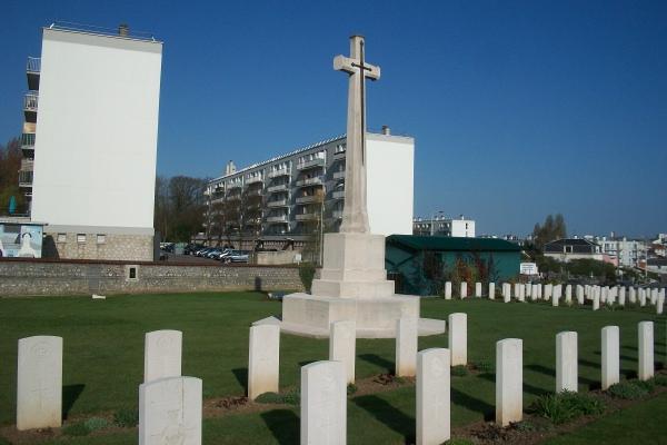 Photo of GEORGE EDWARD MUNRO – Cross of Sacrifice - Ste Marie Cemetery - April 2017 ... photo courtesy of Marg Liessens