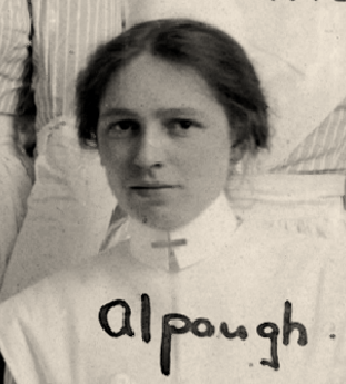 Nursing Sister Agnes Alpaugh 1916 – Photo: Courtesy of McGill University Health Centre Archives and Special Collections Service.