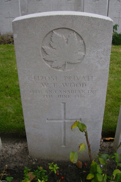 Grave Marker – Grave Marker - Lijssenthoek Military Cemetery … photo courtesy of Marg Liessens