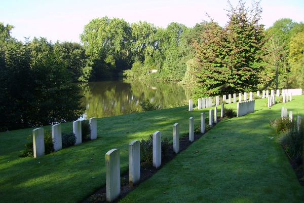 Cemetery – Ramparts Cemetery (Lille Gate) … photo courtesy of Marg Liessens
