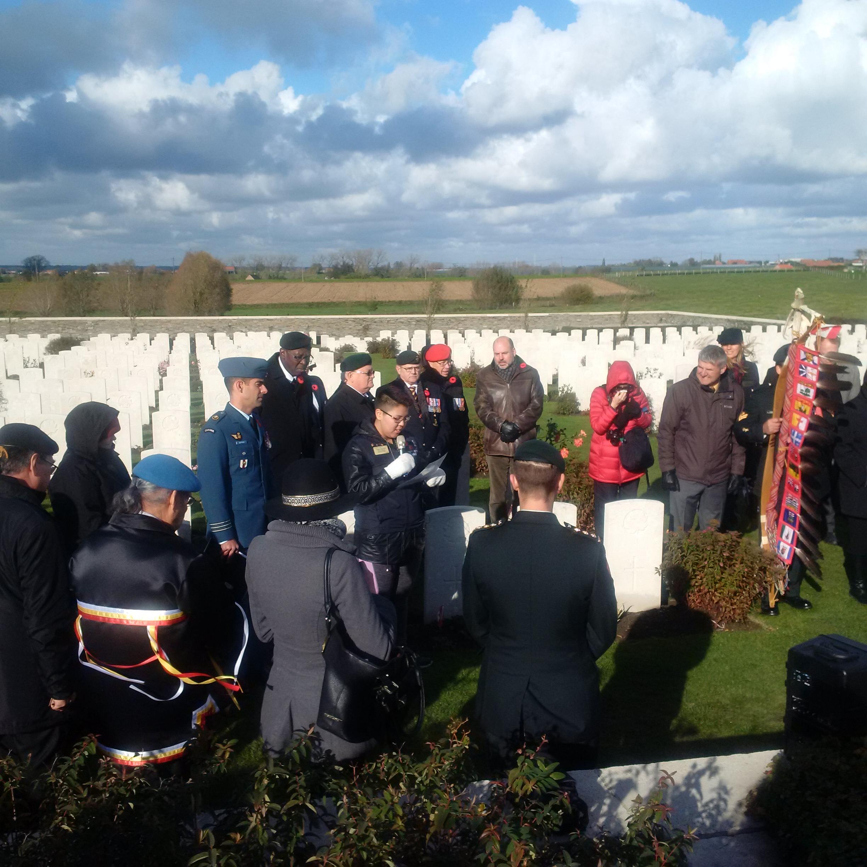 Présentation devant la pierre tombale le 12 novembre 2017