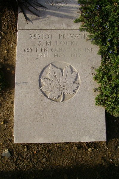 Grave Marker – Grave marker - Wimereux Communal Cemetery … photo courtesy of Marg Liessens