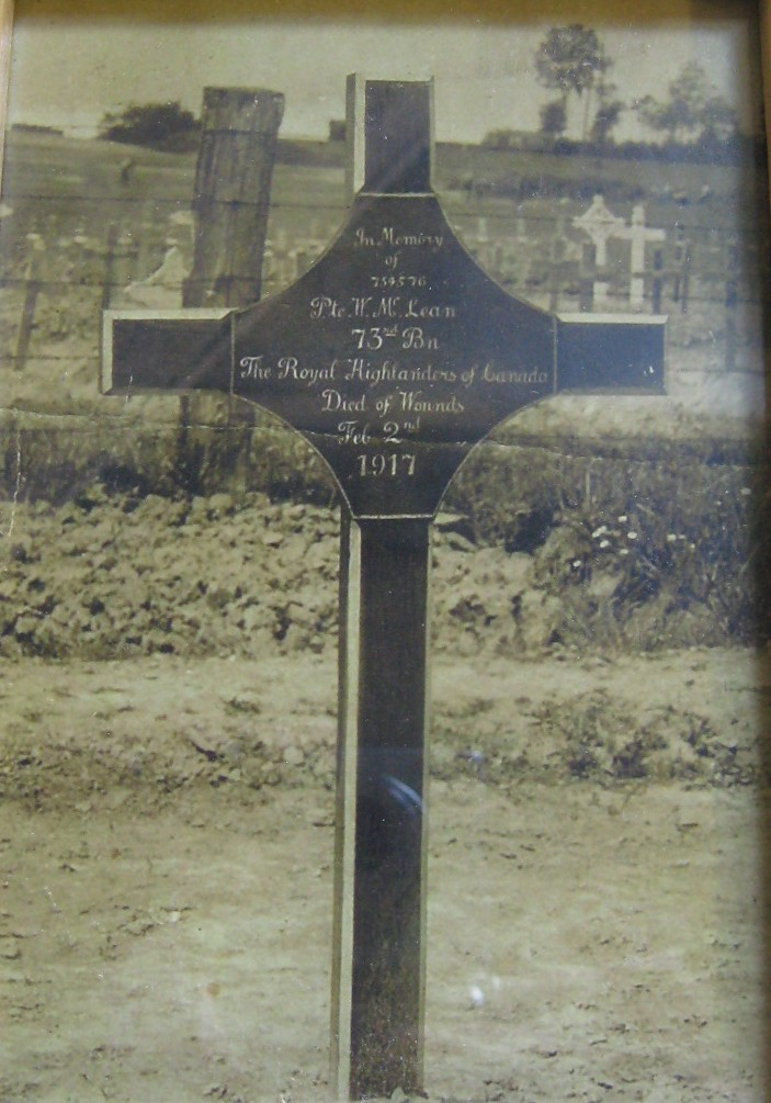Temporary Grave Marker – The original marker for Private John McLean. Photo provided by Padre Phil Miller, Br. 25, RCL, Sault Ste. Marie, Ontario. We Will Remember Them.