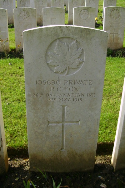 Grave Marker – Grave marker - Bagneux British Cemetery … photo courtesy of Marg Liessens