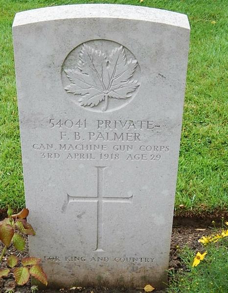 Pierre tombale – Photo gracieuseté de Wilf Schofield.