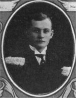 Photo de Reginald Turnbull – Torontonensis 1913 (L'annuaire de l'Université de Toronto), pg. 69.