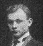 Photo 2 de Reginald Turnbull – Torontonensis 1913 (L'annuaire de l'Université de Toronto), pg. 285.  Légende: Y.M.C.A. UNIVERSITY COLLEGE.