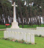 Givenchy Road Canadian Cemetery – The Givenchy Road Canadian Cemetery, located on the grounds of the Vimy Memorial Park on Vimy Ridge, just outside of Neuville-St Vaast, France.(J. Stephens)