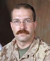 Photo de Glen Arnold – Le Caporal Glen Arnold, membre de la 2e Ambulance de campagne, a été tué le 18 septembre 2006 dans un attentat-suicide au cours d'une patrouille pédestre en Afghanistan.