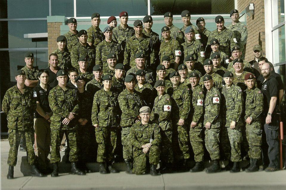 Photo de Groupe – Équipe de la 5eme ambulance de campagne déployée en Afghanistan (roto 4). Photo prise en 2007.