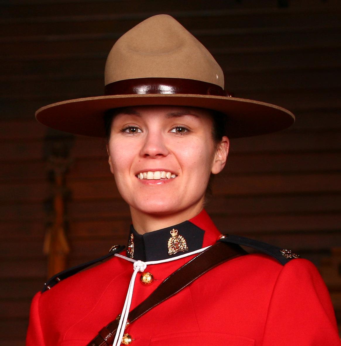 Gendarme Chelsey Alice Robinson – © Sa Majesté la Reine du chef du Canada représentée par la Gendarmerie royale du Canada