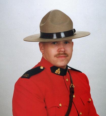 Gendarme James Lloyd Lundblad – © Sa Majesté la Reine du chef du Canada représentée par la Gendarmerie royale du Canada