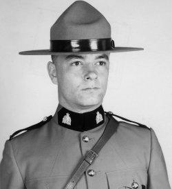 Gendarme John Terrance Draginda – © Sa Majesté la Reine du chef du Canada représentée par la Gendarmerie royale du Canada