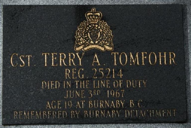 Memorial Plaque – Photo courtesy of www.rcmpgraves.com