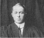 Photo 2 of Leonard Hextall – Torontonensis 1913 (University of Toronto Year Book), pg. 212.  Caption: EXECUTIVE OF CLASS 1913, PAST PRESIDENTS, AND LOVING CUP PRESENTED BY MR. G. H. UNWIN.  L. J. Hextall, President.