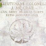 Pierre tombale – Sépulture de John McCrae en France.