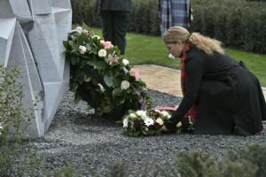 Wreath Laying ceremony – The Governor General along with other dignitaries, attended the inauguration of a monument in honour of Private Price. The monument is located in Ville-sur-Haine, in the Municipality of Le Roeulx, where he fell on November 11, 1918, about two minutes before the signing of the Armistice. In the name of all Canadians, the Governor General lay a wreath on the monument on November 10, 2018.