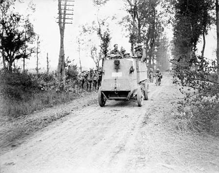 A Canadian armoured car going into action. Battle of Amiens. August 1918. Photo: Library and Archives Canada/PA-003015