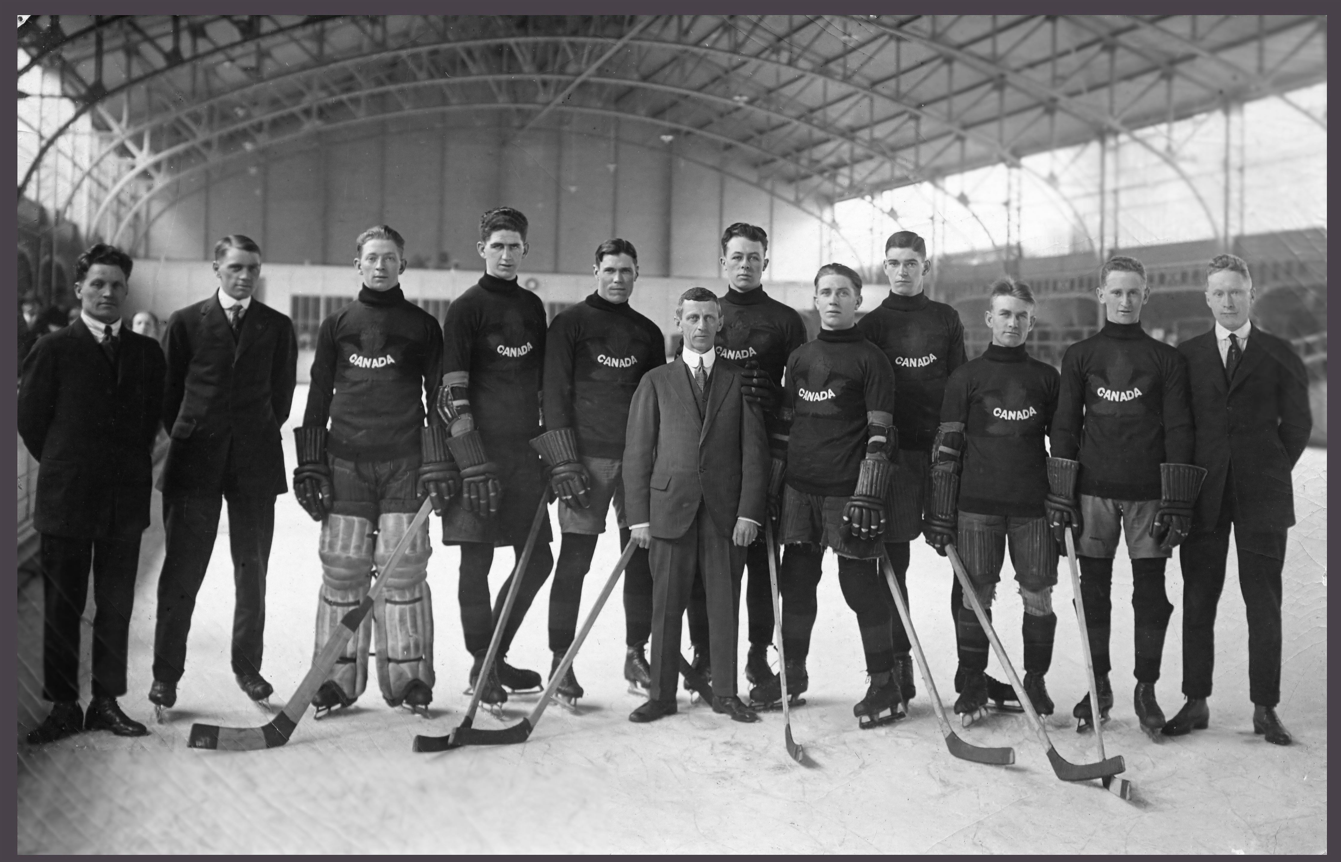 Members of the 1920 Canadian Olympic hockey team