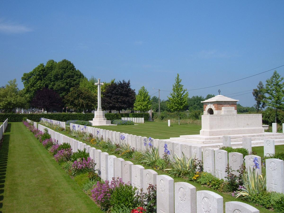 Barlin Communal Cemetery Extension, France