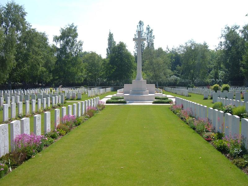 Bully-Grenay Communal Cemetery, British Extension, France