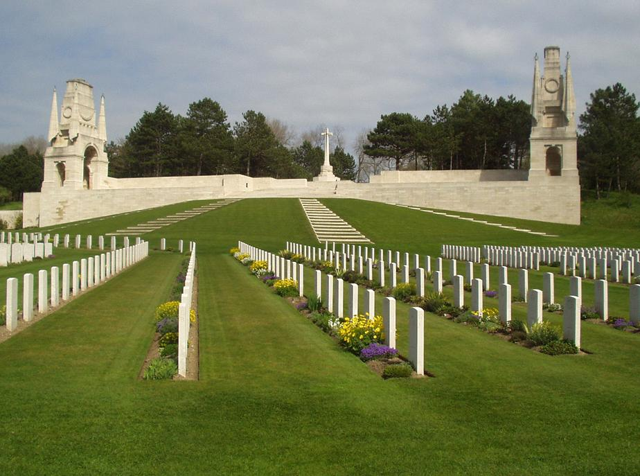 Étaples Military Cemetery, France