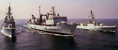 Canadian warships conduct replenishment at sea
