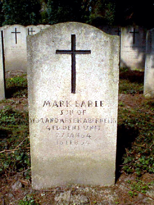 Original headstone prior to replacement in 2003