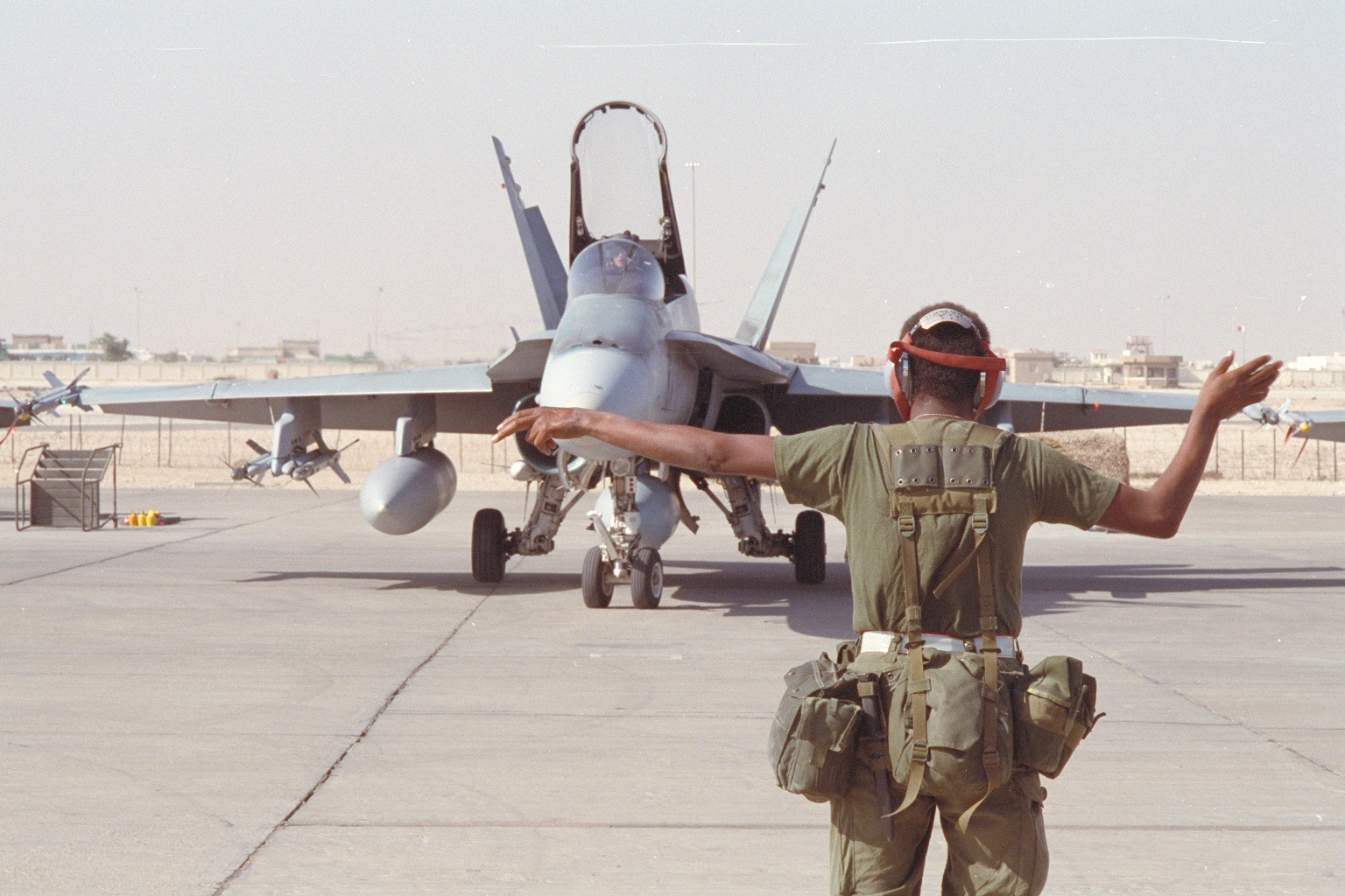 Canadian CF-18 in Qatar readying for take-off