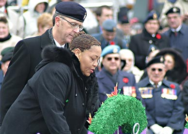 National Memorial (Silver) Cross Mother Agatha Dyer laying a wreath